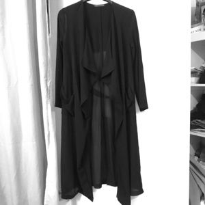 Black duster w/ front pockets